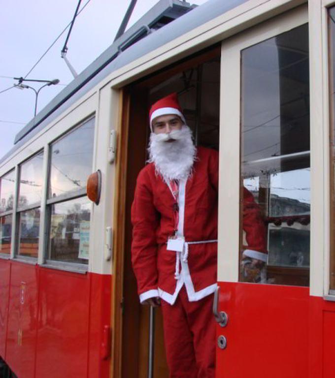 Renifery w odstawkę! Mikołaj w tramwaju!