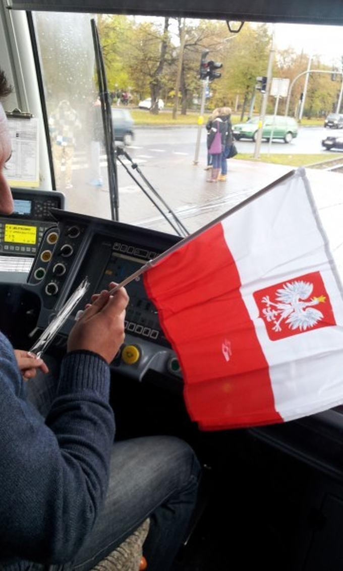 Flagi dla pasażerów tramwajów
