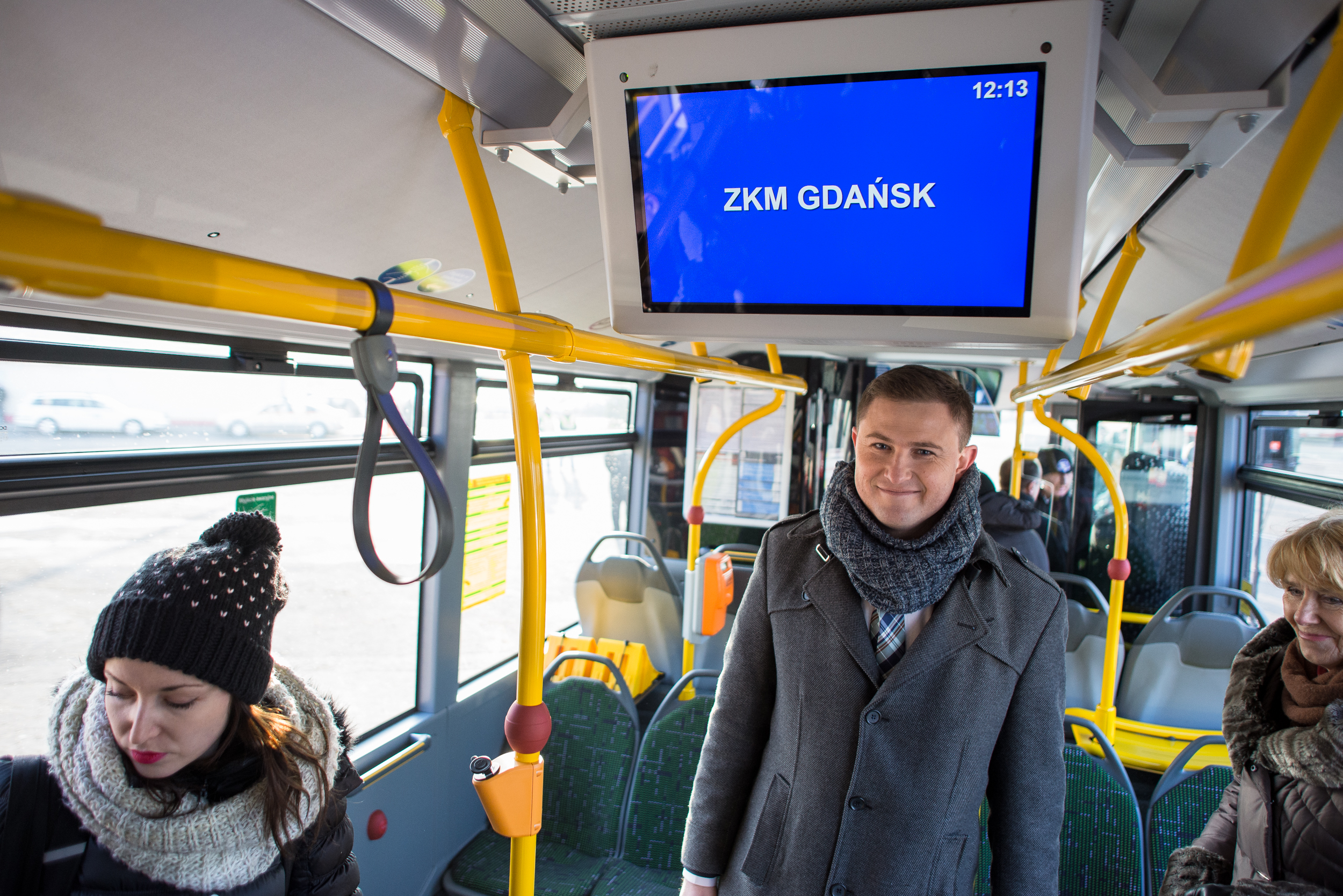 Prezentacja nowych autobusów Citaro. Zajezdnia autobusowa ZKM przy ul. Hallera. Nz Piotr Grzelak Z-ca Prezydenta ds. polityki komunalnej.