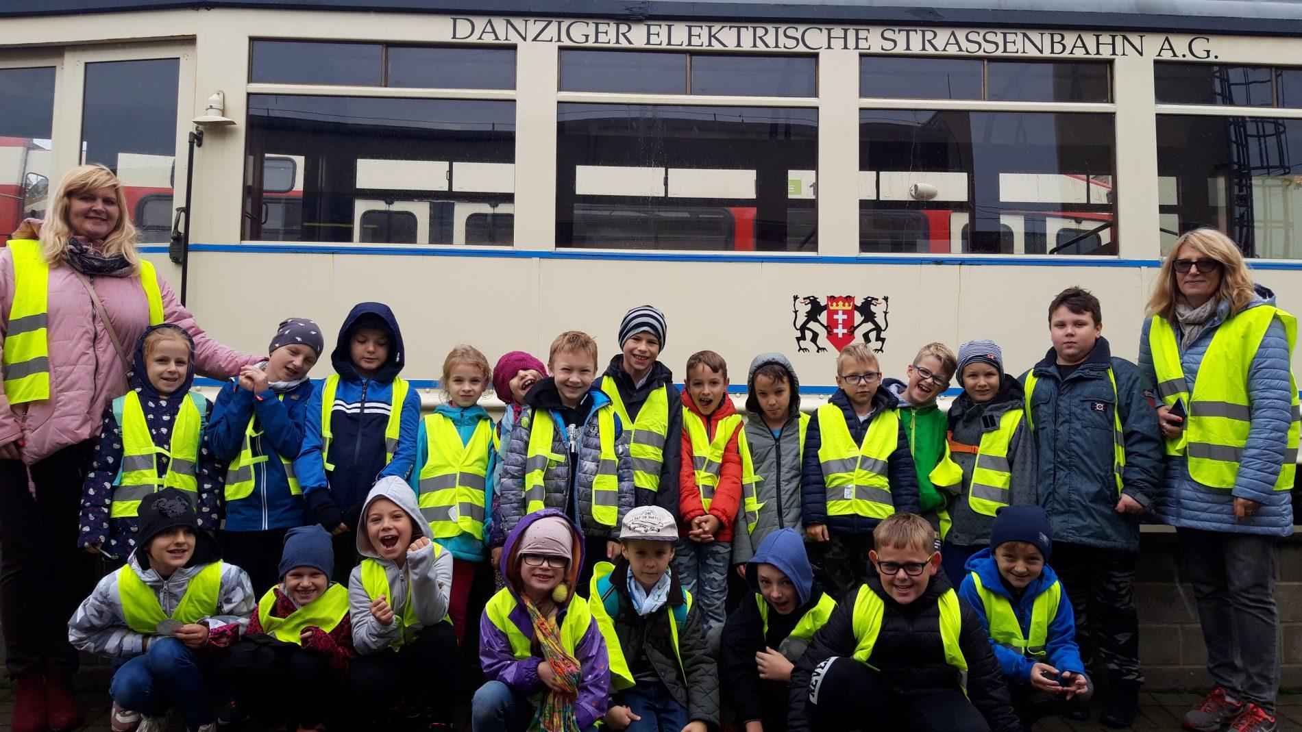 Z wizytą na zajezdni uczniowie z SP nr 38 z Gdańska