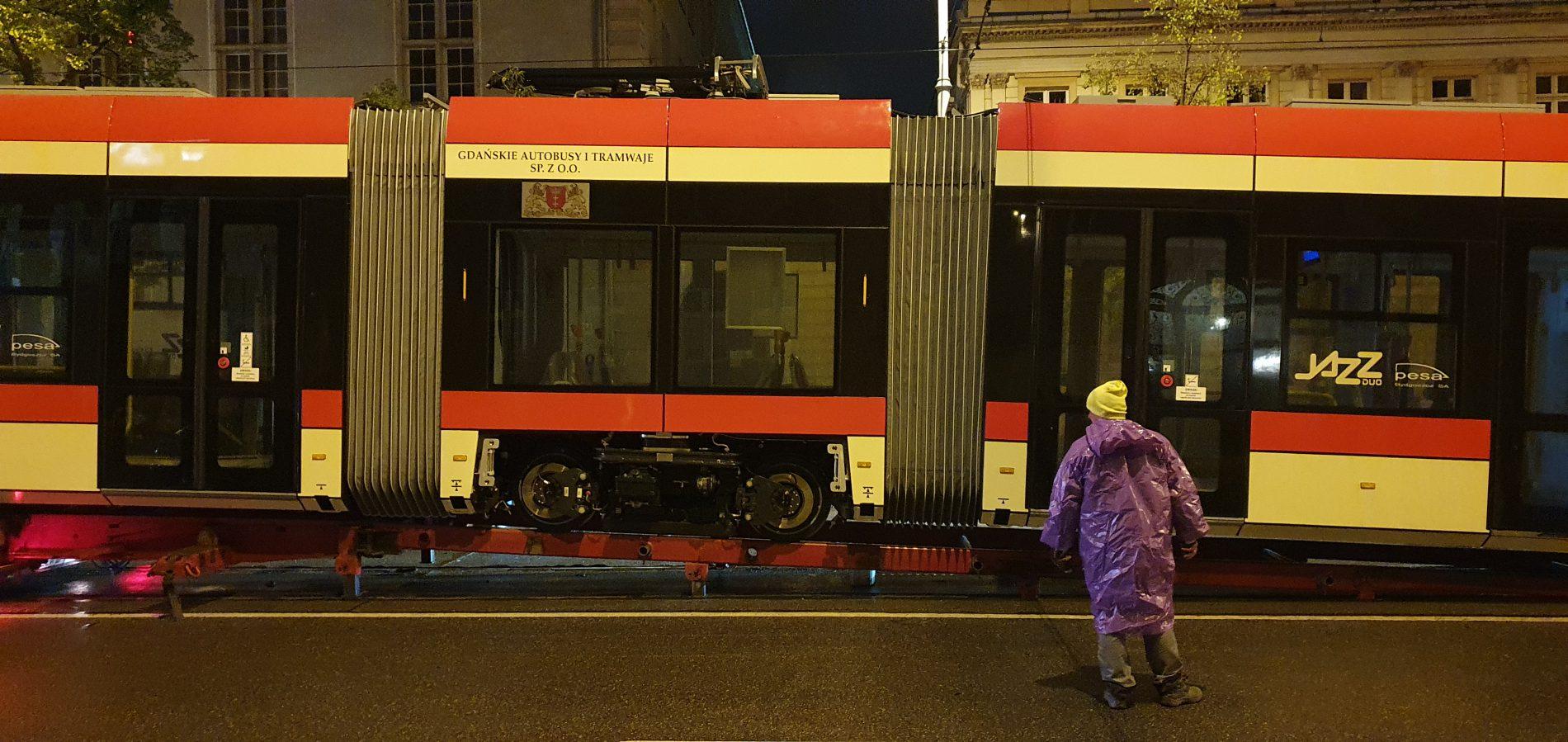 Dostawa nowego tramwaju do Gdańska
