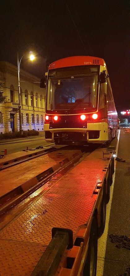 Dostawa nowego tramwaju Pesa Jazz Duo 1071